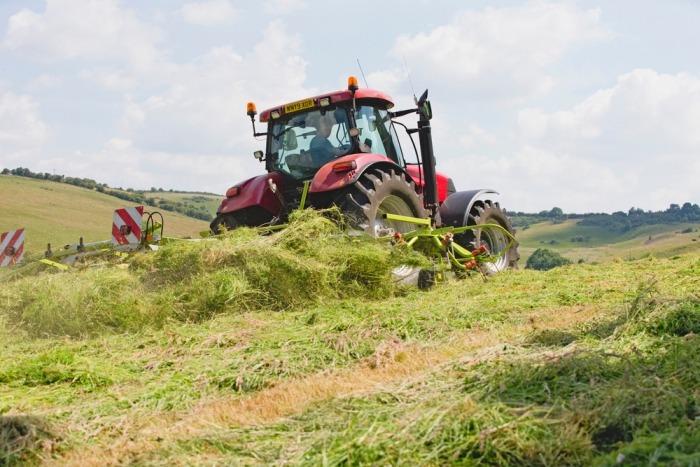 Hooien met de tractor