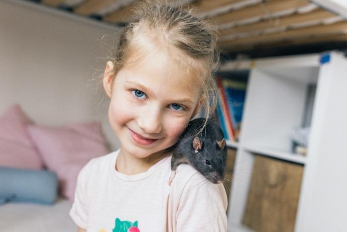 Meisje met rat